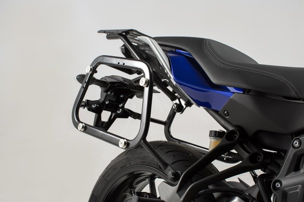 EVO side carriers Black. Yamaha MT-07 Tracer (16-).