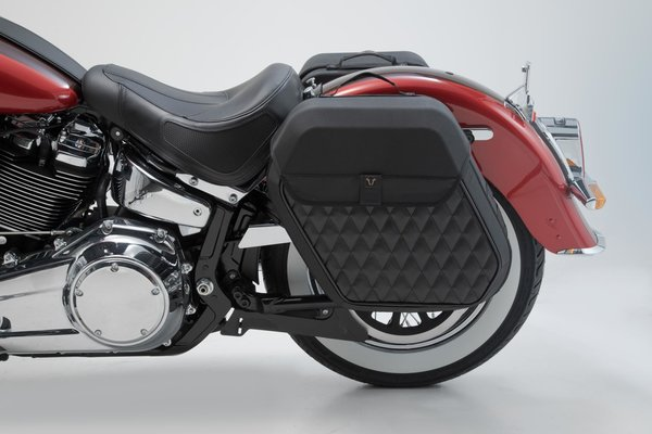 SLH side carrier right Harley-Davidson Softail Deluxe (17-).